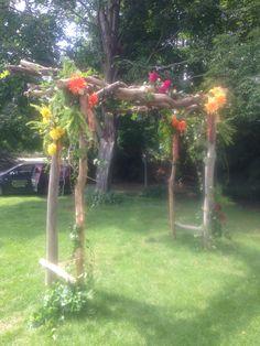 #ceremonyflowers#archdecor#arbourdecor#weddingflowers#bradfordgreenhouses