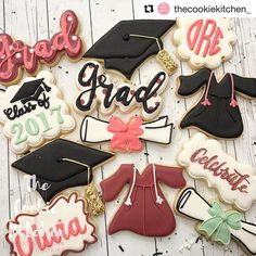 "81 Likes, 4 Comments -  (@sweetleighprinted) on Instagram: ""So excited to see our ""Grad"" font cutter decorated for the first time  @thecookiekitchen_ did a…"""