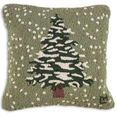 Flurries Chandler 4 Corners Hooked Pillow SKU: Hand-hooked pillow, square, natural wool, Zippered velveteen backing, poly-fill pillow. Christmas Rugs, Christmas Pillow, White Christmas, Christmas Stuff, Xmas, Christmas Ideas, Cabin Christmas, Christmas Goodies, Christmas 2019