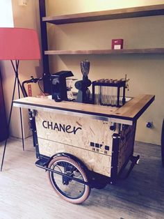 Get These Top Trending wine and coffee bar ideas to inspire you Source by preawkapaw Mobile Coffee Cart, Mobile Food Cart, Mobile Coffee Shop, Coffee Carts, Coffee Truck, Coffee Shops, Food Cart Design, Cafe Design, Truck Design