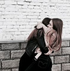 fr ths pic to be captured 😄💋 bff goals Tumblr Bff, Friend Tumblr, Bff Pics, Cute Friend Pictures, Best Friends Shoot, Cute Friends, Bff Posen, Best Friend Fotos, Best Friend Hug