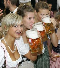 This Girl. This is Why This Pi is listed (or ranked) 6 on the list The 100 Sexiest Dirndl Girls in Oktoberfest History Oktoberfest Party, Oktoberfest History, Oktoberfest Hairstyle, Oktoberfest Costume, Octoberfest Girls, Beer Maid, Dirndl Dress, Beer Girl, Beer Fest