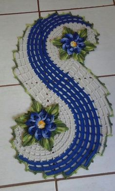 Absolutely stunning round carpet in), doily rug, mint color carpet Shabby chic, rug for the livi - DiyForYou Crochet Doily Rug, Crochet Dollies, Crochet Doily Patterns, Crochet Tablecloth, Crochet Chart, Crochet Home, Filet Crochet, Irish Crochet, Crochet Designs