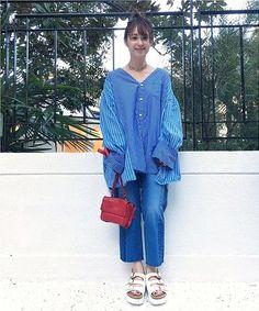 ◆アクセントになるレッド!  ブルー×ホワイトのさわやかなスタイリングにレッドのバックを砂嘴色にしたスタイリング!