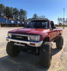 Toyota Pickup 4x4, Toyota Trucks, Old Pickup Trucks, 4x4 Trucks, Custom Toyota Tacoma, Welding Trucks, Nissan 4x4, Tacoma Truck, Future Trucks
