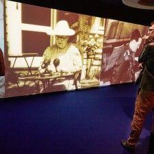 HILVERSUM - De tentoonstelling Leven met Oranje is met drie maanden verlengd. Bezoekers van Beeld en Geluid in Hilversum krijgen nog tot en met 1 juni de kans de expositie in het audiovisiueel archief te zien.