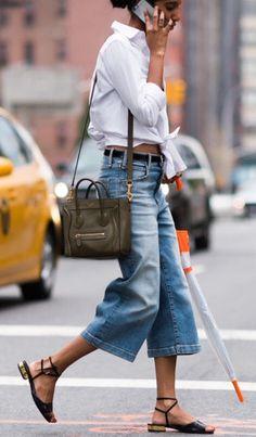 denim street style Summer Street Style Looks to Copy Now Denim Street Style, Street Style Summer, Street Style Looks, Culottes Street Style, Casual Street Style, Look Fashion, Trendy Fashion, Fashion Mode, Trendy Style