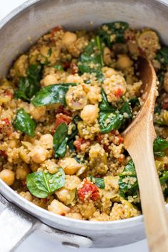 MEDITERRANEAN QUINOA ... a one-pot wonder that combines fluffy quinoa, olives, sun dried tomatoes, spinach and chickpeas!