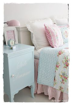 Shabby Chic Home Decor Shabby Chic Bedrooms, Shabby Chic Cottage, Vintage Shabby Chic, Shabby Chic Style, Shabby Chic Decor, Cottage Style, Home Bedroom, Girls Bedroom, Summer Bedroom