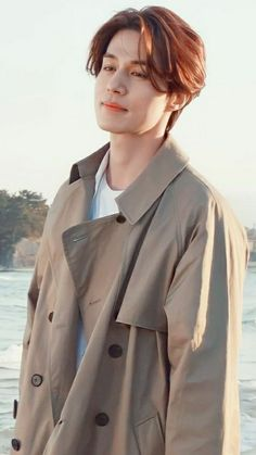 Lee Dong Wook Smile, Lee Dong Wook Goblin, Asian Actors, Korean Actors, Selena Gomez Age, Lee Dong Wook Wallpaper, Lee Dong Wok, Asian Photography, Lee Young