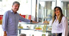 A Zeny, empresa que há 24 anos atua no ramo de doces e salgados na Paraíba, chega em Natal. O grupo, especializado em docinhos, salgados e tortas, inaugura nesta quinta-feira (30) a primeira unidade na capital potiguar, no Partage Norte Shopping. O coquetel de inauguração será a partir das 18h com a presença de Zenilda Diniz e Marcos Cordeiro, proprietários da loja. A Zeny traz para Natal um conceito de atendimento rápido, com qualidade e preço baixo. A marca que expande seu negócio com…
