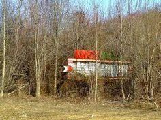 Knox Drive-In, located in Barbourville Kentucky . gone but not forgotten. Someone needs to open it back up ! Knox County, Family Roots, Appalachian Mountains, Outdoor Furniture Sets, Outdoor Decor, Kentucky, Nostalgia, Gardening, History