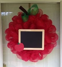 Large-Apple-Chalkboard-Teacher-Appreciation-Deco-Mesh-Ribbon-Wreath