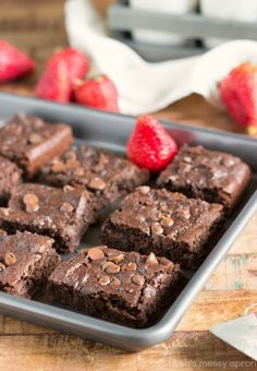 These double-chocolate super fudgy brownies are made with no oil, no butter, and no flour! ALSO- no veggies or beans either!