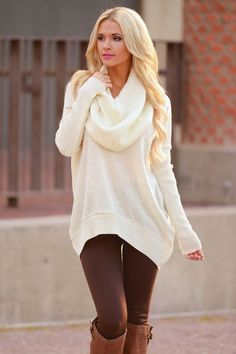99 Wonderful Winter Outfits Ideas With White Leggings Trends Fashion for Your Wonderful Winter Outfits Ideas With White LeggingsWearing white after Labor Day used to be a fash Look Fashion, Fashion Outfits, Womens Fashion, Fall Fashion, Fashion 2015, Petite Fashion, Curvy Fashion, Latest Fashion, Fashion Ideas