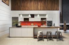 Cuisine contemporaine bois & orange