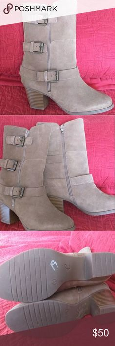 Easy spirit kortina boots e360 taupe Brand & Style?- Easy Spirit e360 Kortina? Width?- Medium (B, M)? True Color?- Taupe? Upper Material?- Suede?Outsole Material?- Man-Made? Heel Height?- 2.75 Inches? Easy Spirit shoes enjoys a longstanding reputation for making great-looking women's shoes with unmatched comfort. Easy Spirit footwear achieves that comfort through a combination of features. Athletic shoes feature Spring Wave Linings that adjust to the foot's natural contours, deep flex…