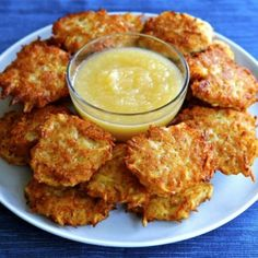 LOW CARB CAULIFLOWER AND CHEESE PANCAKES