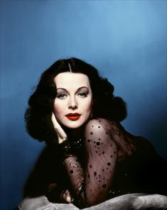 """ I dyed my hair black, parted it in the middle, wore masses of white makeup, and very dark lipstick. I was trying to look exactly like Hedy Lamarr. - Jane Greer"" Portrait of Hedy Lamarr Glamour Hollywoodien, Old Hollywood Glamour, Golden Age Of Hollywood, Vintage Glamour, Vintage Hollywood, Hollywood Stars, Vintage Beauty, Classic Hollywood, Hollywood Divas"