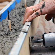VIDEO: How To Form Small Concrete Projects The Easy Way