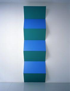 Daniel Buren - Zigzag for Two Colours (blue & green) Lisson Gallery, Art Gallery, Contemporary Sculpture, Contemporary Art, Daniel Buren, Art Alevel, Installation Art, Art Installations, Public Art