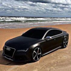 Audi on the beach Luxury Sports Cars, Top Luxury Cars, Sport Cars, Garage Porsche, Dream Cars, Rs6 Audi, Carros Audi, Porsche 918 Spyder, Benz Amg