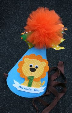 Your place to buy and sell all things handmade Lion Birthday Party, Lion Party, Birthday Party Hats, Crown For Kids, Party Themes, Party Ideas, Crowns, Safari, Projects To Try