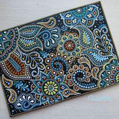 Could be done with Quilling Mandala Art, Mandala Canvas, Mandala Painting, Mandala Design, Dot Art Painting, Stone Painting, Dotted Drawings, Aboriginal Art, Henna Art