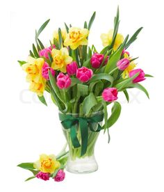 9645049-bouquet-of-tulips-and-daffodils-in-vase.jpg (683×800)