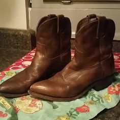 Frye Boots short ankle vintage Great Shape, short ankle Frye boot.  Lots of life left. Easy to wear. Frye Shoes Ankle Boots & Booties