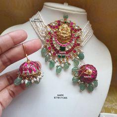 Kundan Guttapusalu Necklace Set ~ South India Jewels Beaded Jewelry Designs, Gold Earrings Designs, Jewelry Patterns, Necklace Designs, Kundan Jewellery Set, Gold Jewellery Design, India Jewelry, Gold Jewelry, Rajputi Jewellery
