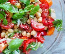 Healthy Tomatoes, Basil and Chickpea Salad - Vegan and Gluten-Free - Beauty Bites Gluten Free Meal Plan, Free Meal Plans, Dairy Free Recipes, Vegan Dinner Recipes, Healthy Salad Recipes, Vegetarian Recipes, Cooking Recipes, Vegan Recepies, Easy Mediterranean Diet Recipes
