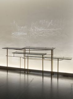 #TARI #console #glass #mouldedartisanalglass #brass #texturedbrass #brunomoinarddesign #craftsmanship #brunomoinardeditionsgallery #paris Bruno Moinard, Table Furniture, Furniture Storage, Luxury Interior, Interior Design, American Modern, Console Table, Side Board, Photo And Video