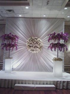 Best Ideas For Wedding Ceremony Backdrop Round Decoration Evenementielle, Backdrop Decorations, Ceremony Decorations, Wedding Centerpieces, Decoration Pictures, Backdrop Ideas, Backdrop Stand, Wedding Stage, Diy Wedding