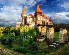 Corvin Castle, also known as Hunyadi Castle, is a Gothic-Renaissance castle in Hunedoara, Romania. It is one of the largest castles in Europe and figures in a top of seven wonders of Romania. Visit Romania, Seven Wonders, Beautiful Castles, Modern City, Eastern Europe, Top Photo, Oh The Places You'll Go, Photo Credit, Barcelona Cathedral