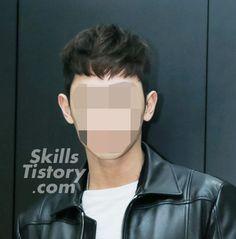 2017 남자 헤어스타일 - The art of skills Men's Hair, Wet Hair, Triangle, Hair Beauty, Hair Styles, Pretty, Hair Plait Styles, Men Hair, Hair Makeup