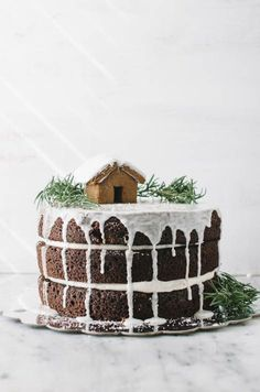 ... one bowl gingerbread layer cake ...