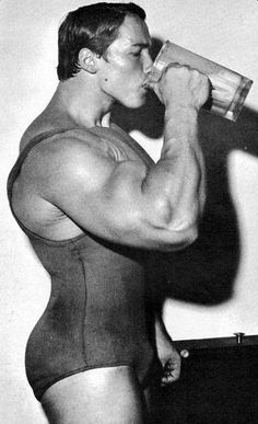 16 Delicious Protein Shake Recipes - Fitness and Power - arnold schwarzenegger protein shake - Arnold Schwarzenegger Muscle, Arnold Schwarzenegger Bodybuilding, Muscle Building Supplements, Muscle Building Workouts, Bodybuilding Workouts, Bodybuilding Motivation, Aesthetics Bodybuilding, Muscle Fitness, Muscle Men
