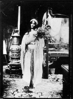 1900 Photographic study © Mucha Trust