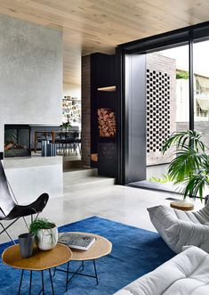 The Elissa house in Hawthorn by Templeton Architecture is an exercise in balancing exuberance and contemporary elegance. Australian Architecture, Australian Homes, Concrete Houses, Property Design, Architecture Awards, Dream Rooms, Inspired Homes, Home Renovation, Building A House