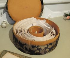 antique collar boxes | Vintage / Antique Edwardian Collar Box with Collars and Stays