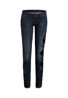 Stylishe GUESS Jeans mit Paillettenverzierungen.