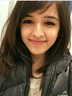 Singer Shirley Setia Fan Page with Photo Gallery with Daily Updated Photos of Shirley Setia Fashion Editorial Makeup, Shirley Setia, Boho Fashion Summer, Trendy Fashion, Space Fashion, Cute Girl Poses, Fashion Wallpaper, Stylish Girl Pic, Beautiful Indian Actress