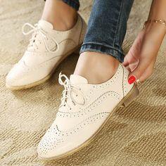 gratis verzending nieuwe herfst 2014 brockden gesneden platte schoenen schoenen lace up oxford schoenen voor vrouwen groothandel platte schoenen voor vrouwen