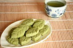 Matcha Green tea shortbread leaves | Kirbie's Cravings | A San Diego food blog