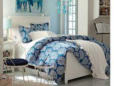 Lasurstein Farbe und Himmelblau als Wandfarbe Bettdecke