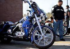 Resultado de imagem para harley davidson club bike