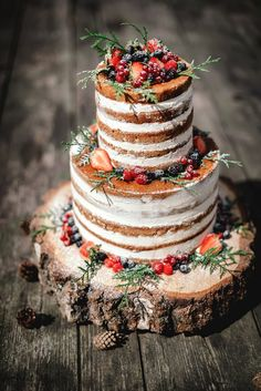 Naked wedding cake for autumn