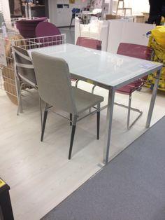 Mesa e cadeira (pano)