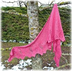 tuto free châle Melisande Knitted Shawls, Free Pattern, Knitting, Blog, Stitches, Cowl, Scarves, Sweater Vests, Dressmaking